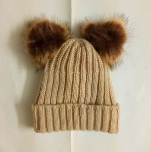 NWOT Beige ribbed wool beanie hat
